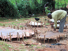 De drum-makers in Mpigi